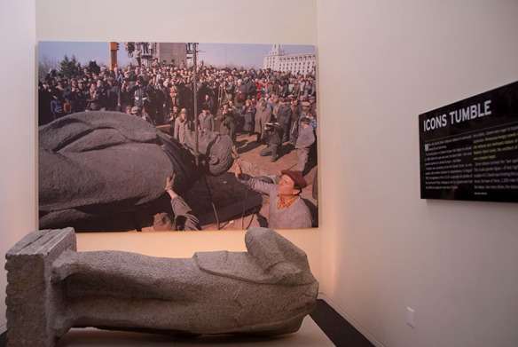 Stalin's headless statue, Newseum, Washington DC. Photo copyright Chulie de Silva.